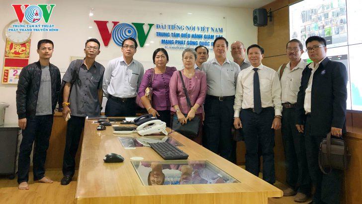 Đoàn lãnh đạo Đài Phát thanh quốc gia Lào thăm và làm việc tại Trung tâm Kỹ thuật Phát thanh Truyền hình